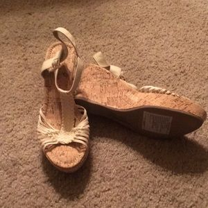 NWOT Maurices heels size 10